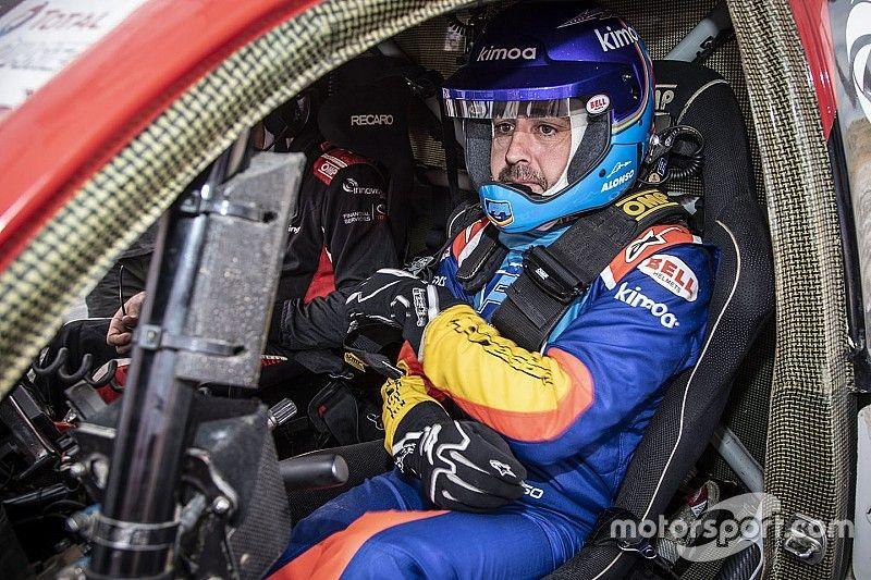 """""""Não estou só me divertindo"""", diz Alonso sobre experiências pós-F1"""