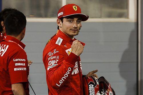 "Leclerc comemora 1ª pole na F1 e elogia Vettel: ""Aprendi muito com ele"""