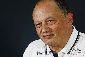 Az Alfa Romeo főnöke vicces kedvében volt, amikor a Ferrari-motorról kérdezték (videó)