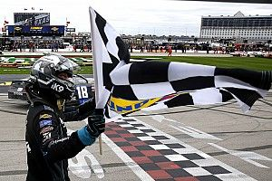 Kyle Busch holds off Tyler Reddick to take Texas Xfinity win
