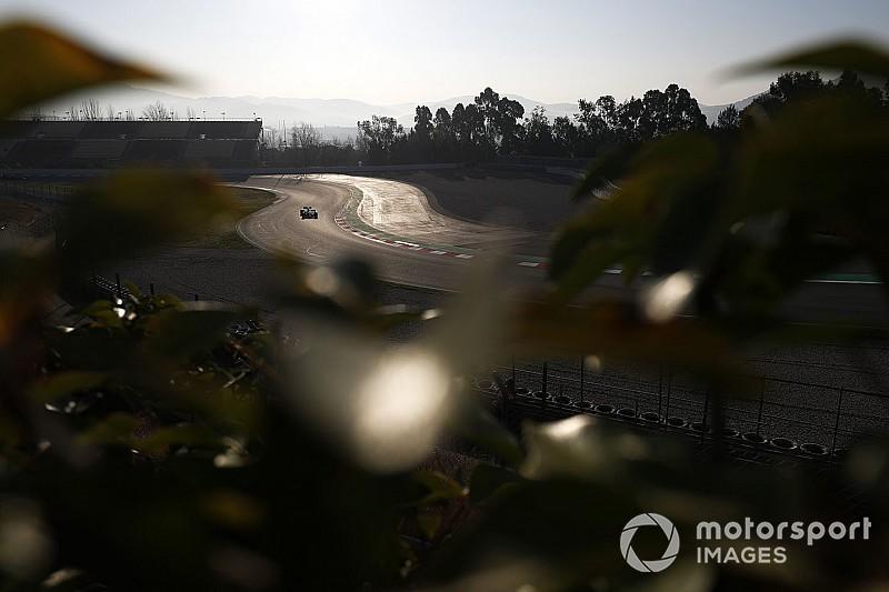 Már 1000 kör felett tesztelt a Mercedes, a Renault ráesett a Ferrarira