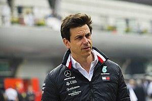 Mercedes tak ingin Pirelli ubah spesifikasi ban