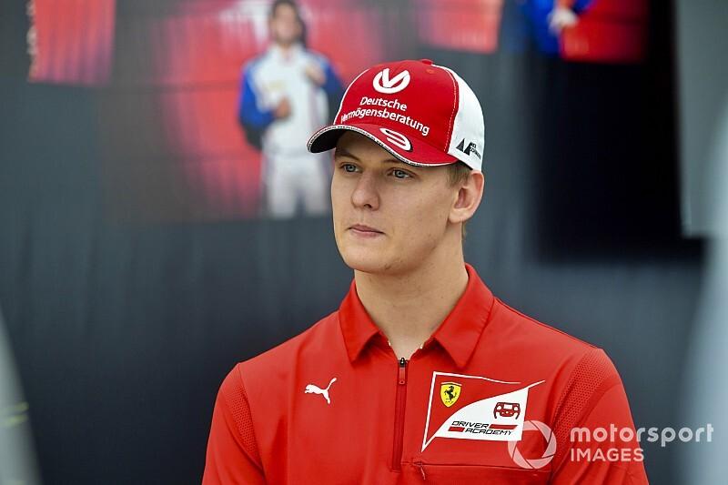 """Chefe da Ferrari: Mick Schumacher é """"bom candidato à F1 no futuro"""""""