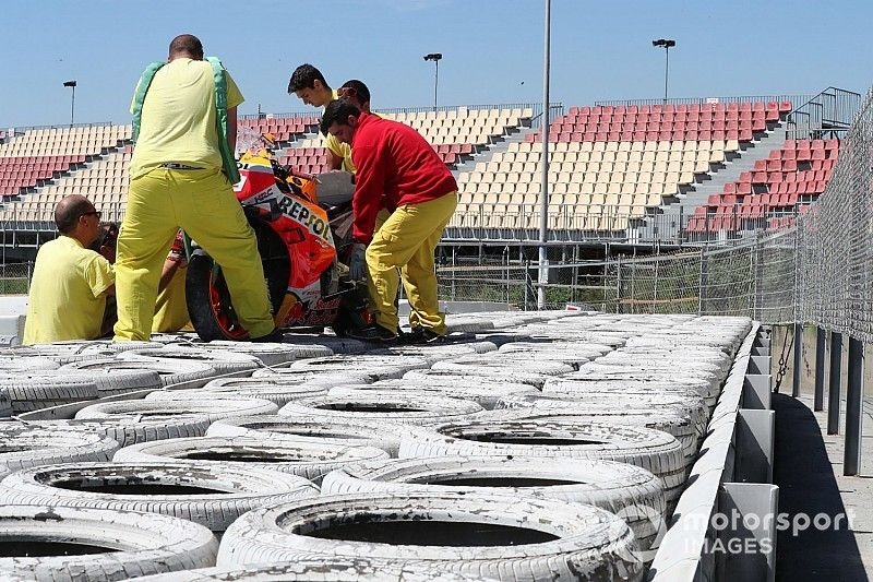 """Lorenzo hit the air fence in """"scary"""" Barcelona test crash"""