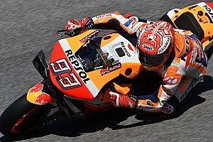 MotoGP, Mugello, Warm-Up: Marquez al top, ma risale Dovizioso. Rossi sempre indietro