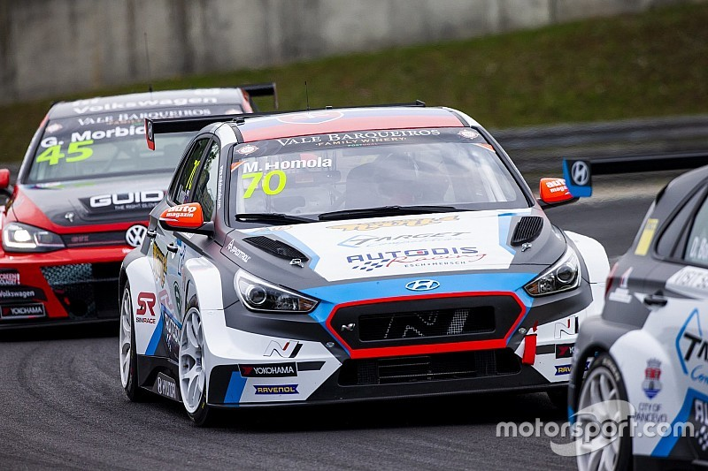 Mat'o Homola centra la pole position per Gara 1 del TCR Europe all'Hungaroring