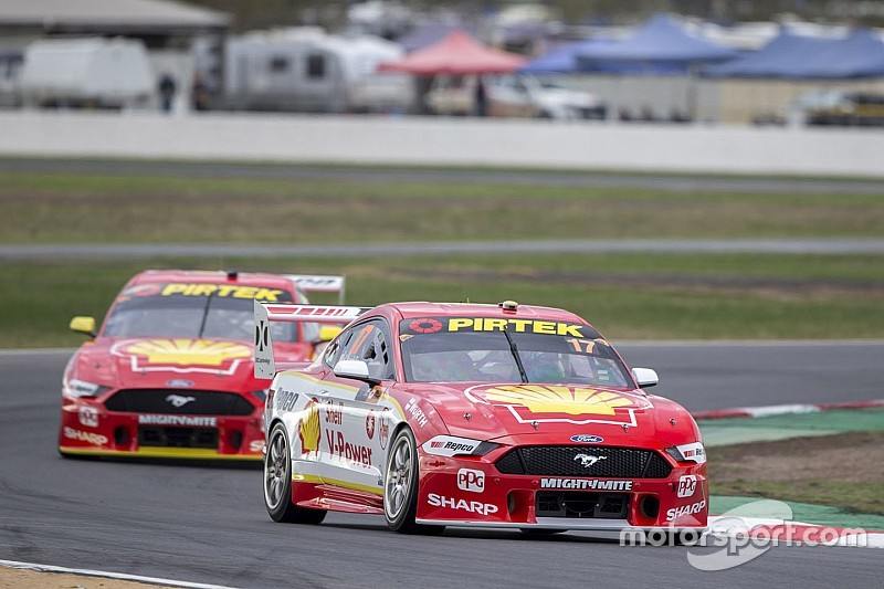Winton Supercars: McLaughlin seals pole with record lap