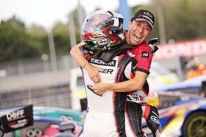 タイGT300決勝|最終ラップでまさかの逆転! 10号車GAINER GT-Rが優勝