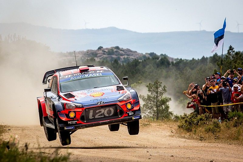 WRC: Tanak sbaglia e regala la vittoria del Rally Italia Sardegna a Sordo!