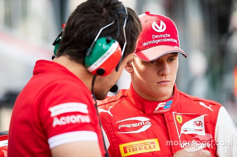 """Schumacher strijdvaardig na moeilijke start F2: """"Ik geef niet op"""""""