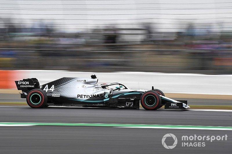 """El ritmo de Hamilton se """"deterioró"""" durante la calificación en Silverstone"""