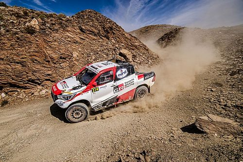 Alonso crashes out of third stage of Morocco Rally