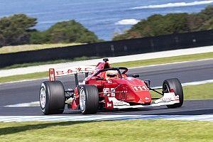 """Barrichello faz primeiro teste na Austrália: """"É como andar de bicicleta"""""""