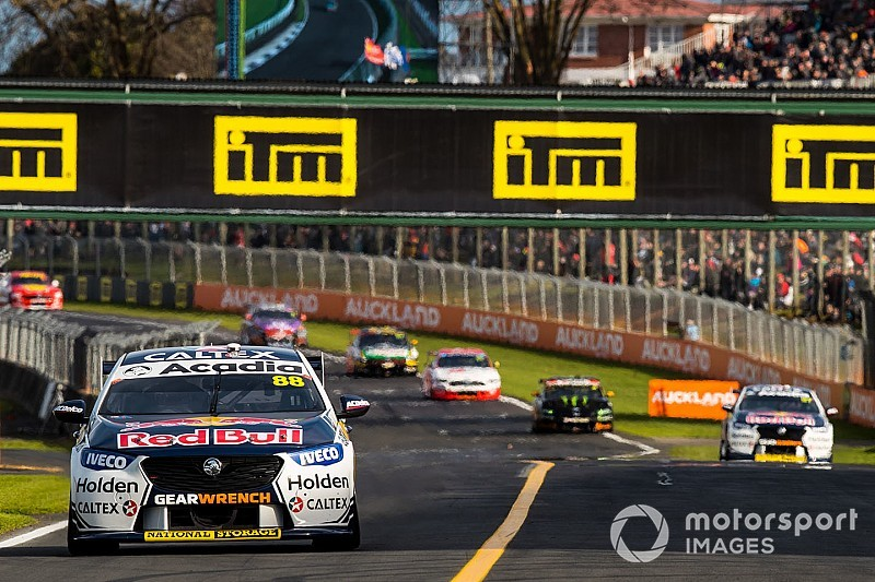 Supercars officials defend Safety Car stance