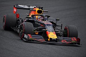 """Verstappen, Red Bull-Honda'nın """"daha fazla risk almasını"""" istiyor"""