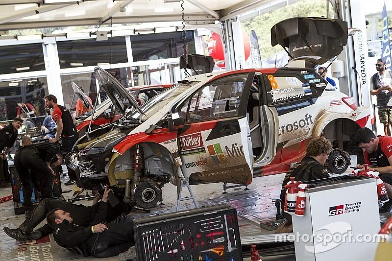WRC: Tanak fermato da un guasto all'ECU della sua Toyota Yaris