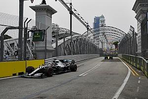 هاميلتون يسجل أسرع الأزمنة خلال التجارب الحرة الثانية في سنغافورة