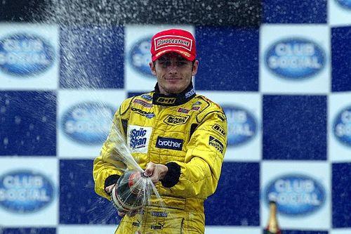 Ma 18 éve, hogy Alonso a kórházban ünnepelte dobogóját