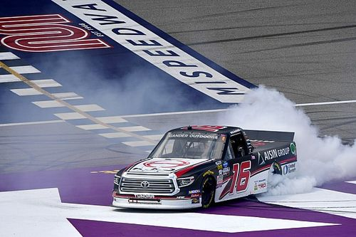 Austin Hill takes wild Michigan Truck win as playoff field set