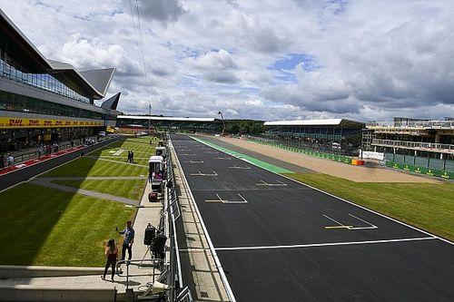 ¿Cuántas carreras de F1 y MotoGP se necesitan para que haya mundial?
