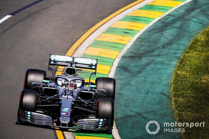 Australian GP: Hamilton leads Mercedes 1-2 in second practice