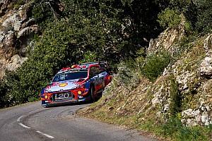 WRC Corsica: Neuville profiteert in extremis van lekke band Evans