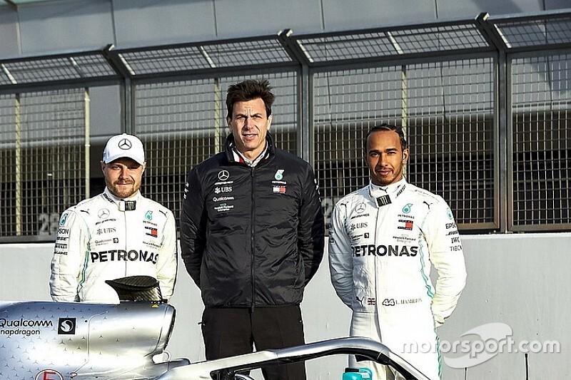 Hamilton arra számít, hogy Bottas agresszívabb lesz idén