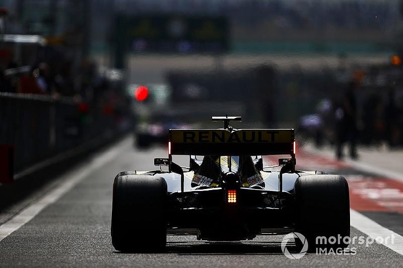 Ilyen, amikor egy F1-es autó szép lassan megadja magát: videó a Kínai Nagydíjról