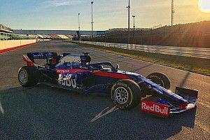 La Toro Rosso STR14 a fait son premier roulage