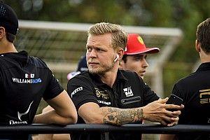 """Videón a Hamilton-Magnussen incidens az FP2-n – """"nem tudom, miért akart megelőzni…"""""""