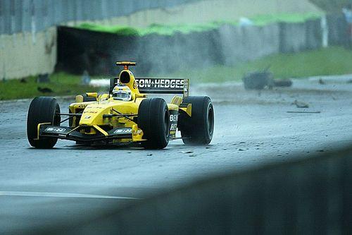 Le 700e GP : Pluie, crashs et imbroglio pour une victoire