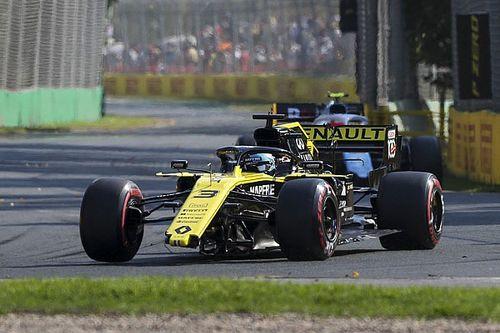 Риккардо объяснил причину аварии на стартовой прямой в Австралии