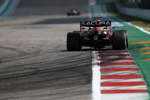 Max Verstappen Bingung Clash dengan Lewis Hamilton