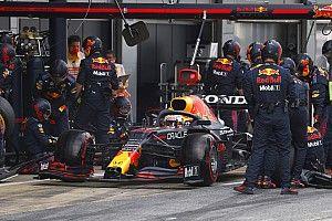 Retroscena Red Bull: Verstappen è entrato ai box non chiamato!