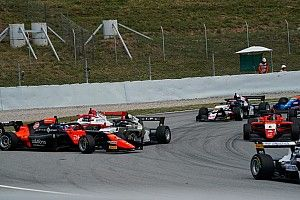 Fin de semana para olvidar de Vidales en la Fórmula Alpine; Boya, 5º