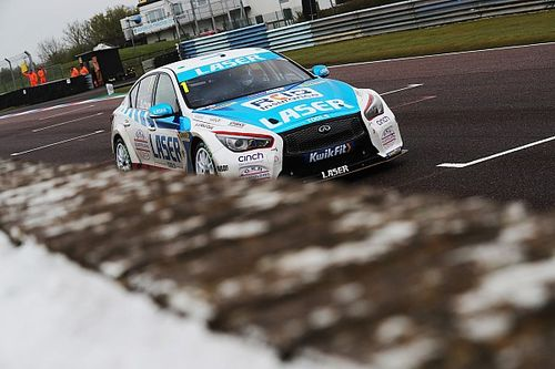 Thruxton BTCC: Sutton wins out in rain-affected Race 3 thriller