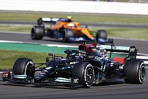 A Mercedes elmagyarázta, miért nem cserélték Hamilton sérült első szárnyát