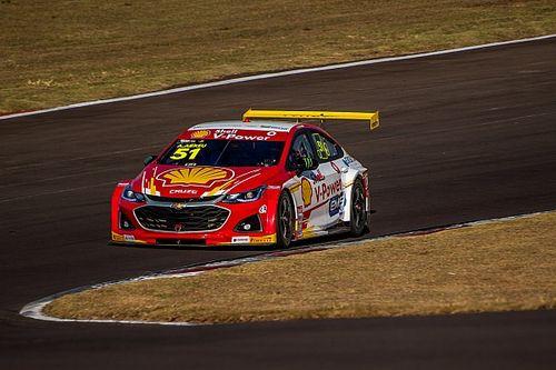 Stock Car: Átila segura Zonta e vence primeira com time novo em Cascavel