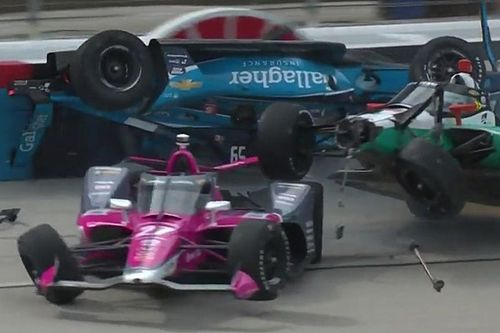 GALERÍA: el choque al inicio de la carrera de IndyCar en Texas