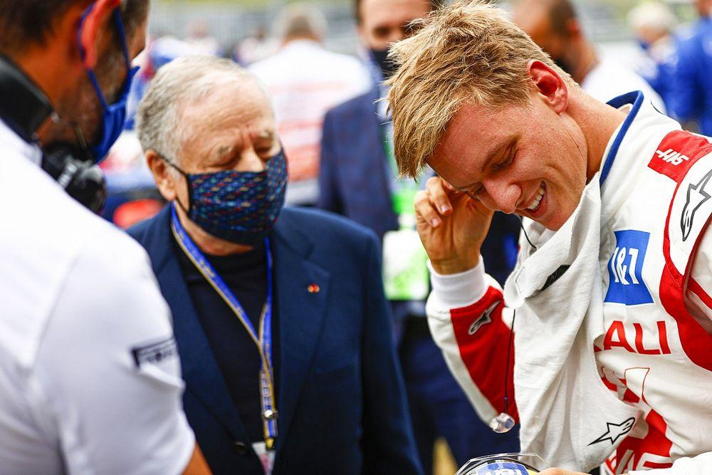 """Haas, Schumacher'le ilgili söylentilerin """"yakında"""" bitmesini bekliyor"""
