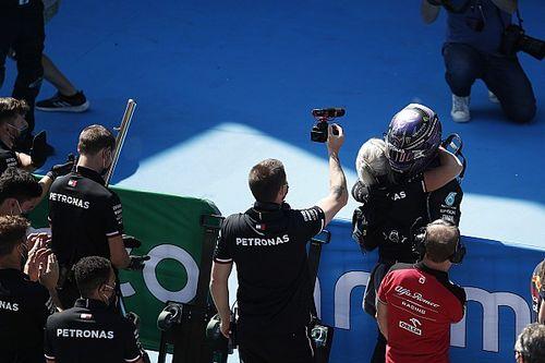 Hamilton agranda la leyenda y suma su 100ª pole en Barcelona