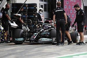 FIA запретила сверхбыстрые пит-стопы. Но теперь передумала