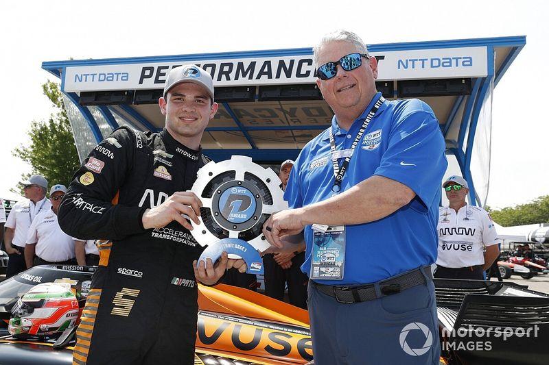 Detroit IndyCar: O'Ward, Rossi ve Grosjean yenerek, 1. yarışın pole'ünü aldı