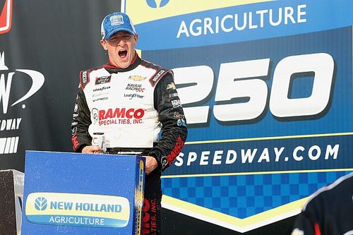 Allmendinger wins wild Michigan Xfinity race in three OTs