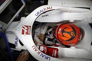 Mazepin sejtelmes kiírással utalt arra, hogy Giovinazzi elhagyja az F1-et