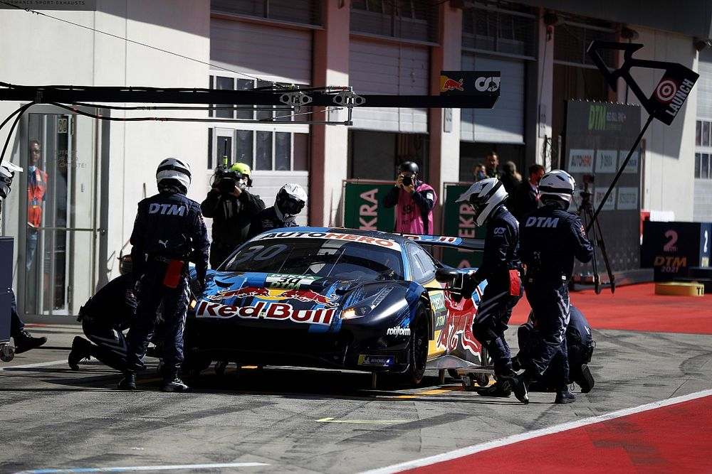 BMW's Wittmann calls for equalising DTM pitstops