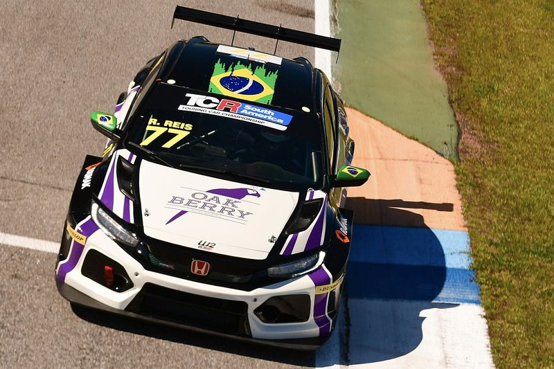 Raphael Reis conquista duplo top 5 em El Pinar no TCR South America