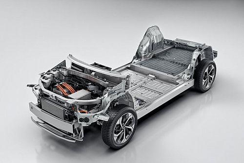 Batterie a 100 $/kWh nel 2024: il report WoodMac sull'auto elettrica