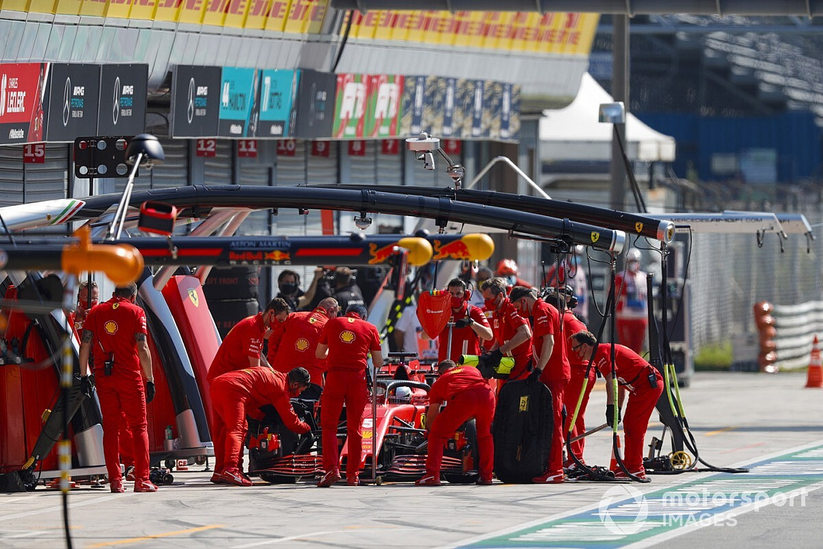 Vettel, eliminado en Q1, cuestiona la estrategia de Ferrari