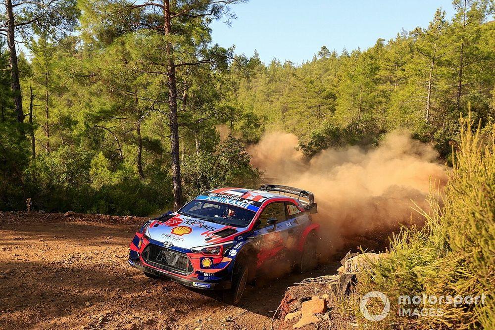 Tanak's WRC title hopes take blow after Rally Turkey crash